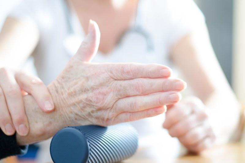 Orthopädie und Handtherapie - aktive Übungen zur Bewegunngskoordination und Feinmotorik