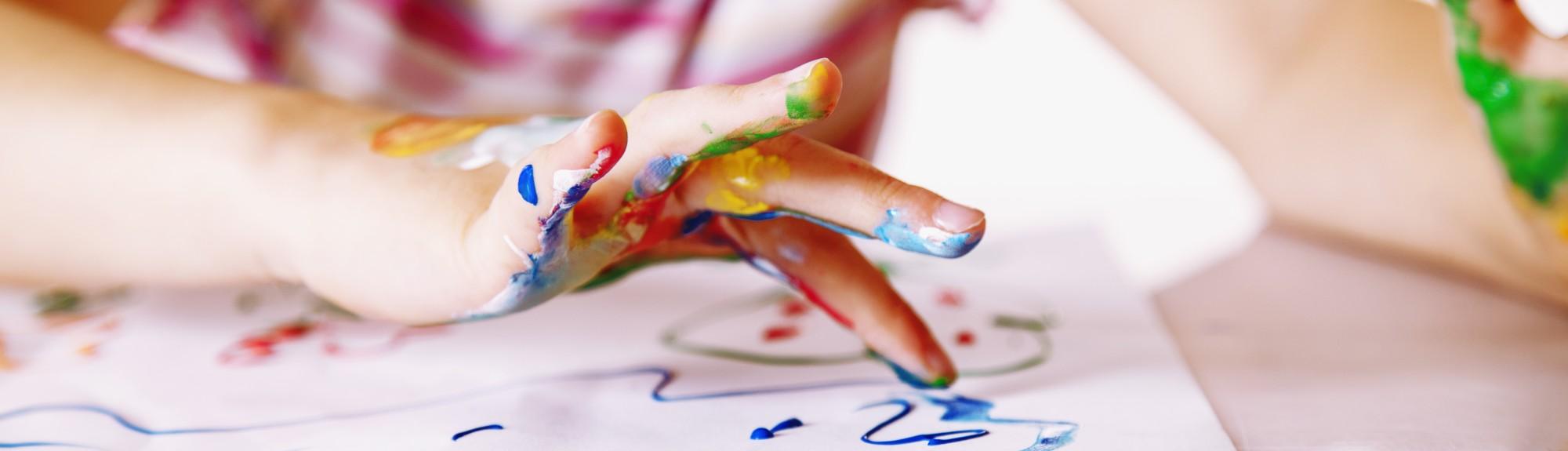 Pädiatrie Titelbild - Kreatives und handwerkliches Arbeiten